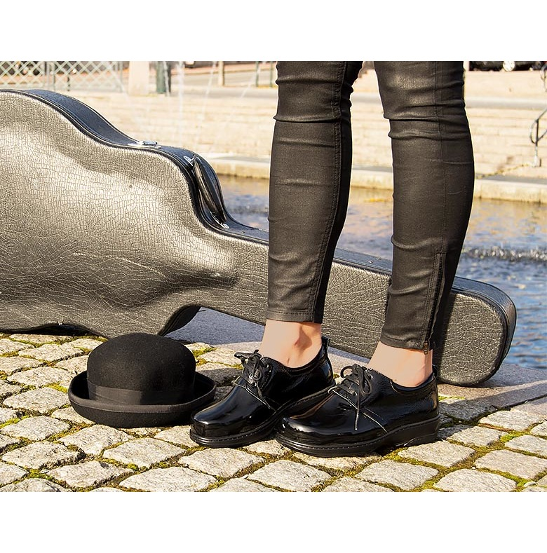 kängor för breda fötter